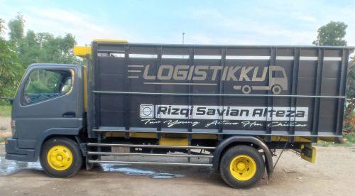 sewa truk Colt Diesel logistikku